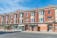 Great Retail Opportunity in High Traffic Area!