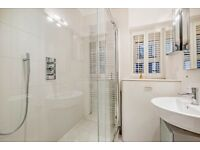 Old Brompton Road SW5. Spacious two double bedroom two bathroom flat to rent.