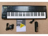 BEHRINGER MOTOR 61 - 61 KEY USB/ MIDI CONTROLLER KEYBOARD - LESS THAN 3 MONTH OLD.