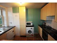 *****GREAT SIZE THREE DOUBLE BEDROOM FLAT***** *****PRIVATE BALCONY***** *****CLOSE TO STATION*****