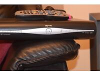 SKY PLUS HD BOX WIFI BUILT IN 3D ON DEMAND WITH EMOTE