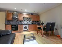 Southwark Park Road - A Well presented and spacious two bedroom apartment to rent for short let