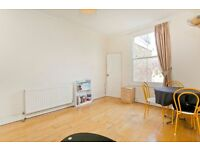TWO DOUBLE BEDROOM FLAT- SPECIOUS RECEPTION ROOM - WOODEN FLOORS- CLOSE TOO TUBE