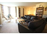 3 Double bed flat, 2 bathrooms, huge lounge/diner , close to tube £520 per week.