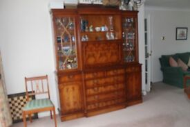 Wall unit / Display cabinet