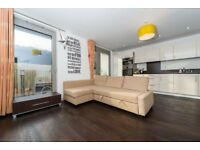 Large 2 bed apartment available with gym facilities in Royal Docks E16, Canning town, Plaistow