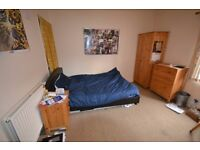 Double Room to rent near university - 375pcm - July 2017-June 2018