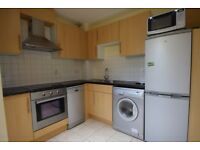 2 Bedroom 2 Bathroom flat with parking on York road, Clapham, SW11