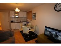 2 Bed Apartment in Thamesmead, London, SE28 (Holiday Let Only)