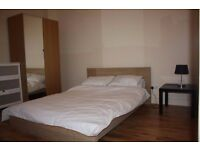 GOOD SIZE DOUBLE ROOM AVAILABLE IN TOTTENHAM . CALL 020 8808 6071 FOR VIEWING