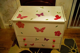 Children's white melamine storage chest/lift up lid with 2 drawers underneath