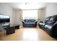 HUGE CHEAP TWO DOUBLE BEDROOM FLAT WITH PARKING- HANWORTH HAMPTON SUNBURY FELTHAM HOUNSLOW BEDFONT