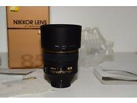 Nikon AF-S NIKKOR 85mm f/1.4G Lens new mint condition