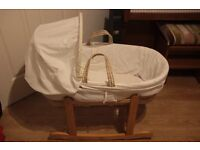 Moses basket and rocking stand with sheets