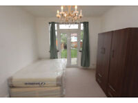 ##Amazing double room with access to garden##