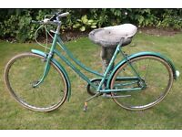 Raleigh Caprice Vintage Ladies Bike   3 speed   Saddle height approx 36 inches +
