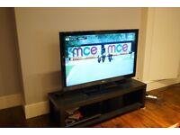 Lg 42'' Full HD TV + table