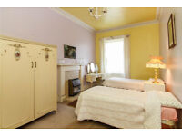 Crean traditional bed room suit