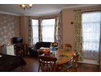 2 BED 1ST FLOOR FLAT ACCESS TO OWN PRIVATE GARDEN - GOOD CONDITION & WALKING DISTANCE TO STATION