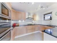 SPACIOUS 3 BEDROOM WITH 2 TERRACE, PARKING, FURNISHED IN CUMBERLAND MILLS SQUARE, THE ISLE OF DOGS