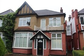 Studio Available to Rent in Finchley Central