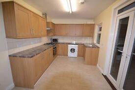 Recently refurbished 4 Bedroom House, 2 bathrooms in Willesden Green: ZONE 2: NO FEES TO TENANTS.