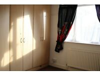Very specious 2 bedroom garden flat. Will suit few professional tenants or small family.