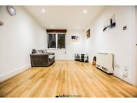 Modern 1 bed flat walking distance from Liverpool Street with a 24hour Concierge and Roof Terrace
