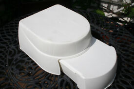Nice little childs step stool to use in bathroom, bedroom or kitchen. Good clean condition