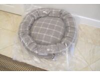 Mutts and Hounds Slate Tweed Donut Dog Bed Size Large New in Wrapper