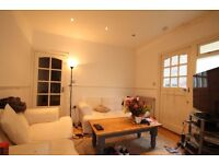 Stunning HIGH SPEC 2 BED property with a PRIVATE garden in a IDEALlocation