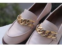 River Island, Light Pink, Leather Shoes with Gold Chain Detail, UK 5, Euro 38