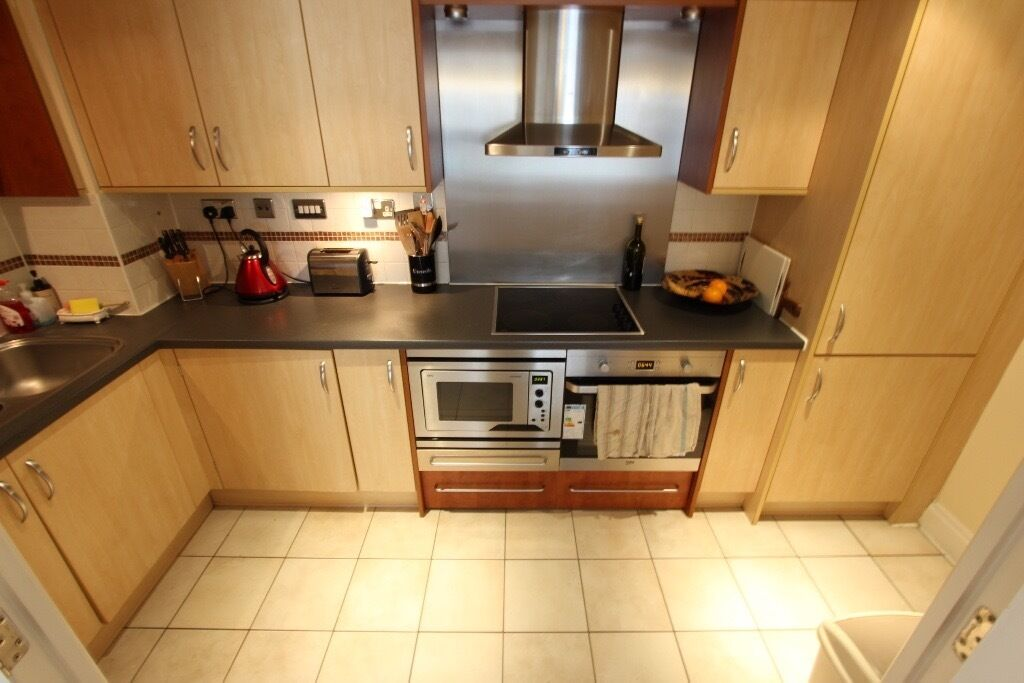 2 Bed Flat, Available NOW!!! Ideal for Tube. Wimbeldon Richmond Stockwell SW18. Balcony, CALL NOW