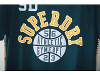 **BRAND NEW STILL WITH TAGS** Mens Green 'Slam Dunk' SUPERDRY T-Shirt, Size Large