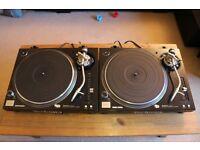 2 x Technics 1210 MK5G + Lids + Ortofon Electro
