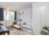 2 bedroom - Amhurst Road - seperate kitchen and living room - Balcony - Hackney Central
