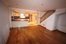 Spacious 1 Double Bed Fat, Period House with a Private Rear garden located minutes from Camden Town