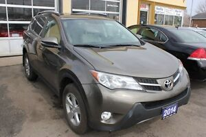 2014 Toyota RAV4 XLE Sunroof AWD Bluetooth Backup Camera