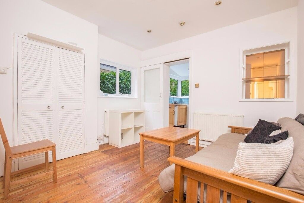 Beautiful 3 BEDROOM FLAT TO RENT on ground