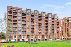 FURNISHED 3 BED 2 BATH APARTMENT LOCATED IN COLINDALE GDNS NW9. PARKING AVAIL