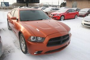 2011 Dodge Charger R/T, LEATHER,S/ROOF, B.TOOTH, T.SCREEN