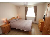 Lovely double room in an amazing house, Turner Street, Whitechapel, E1