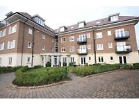 LUXURY 2 BEDROOM FLAT CLOSE TO ASHFORD RAIL STATION-hospital heathrow london staine
