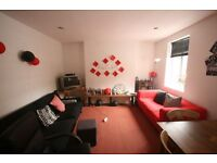 Available now... 3 bed flat in Clapham, spacious and great location