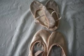 Ballet pumps £3 each size2 and size 2 1/2