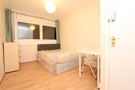 *** CANARY WHARF *** NEW PROPERTY ** 3 ROOMS available in NEW property CANARY WHARF