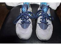 100% Authentic Nike air huarache UK 7 blue