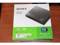 Like new - Sony BDP-S1700 SMART Blu-Ray and DVD Player with Built-In Apps (new for 2016)