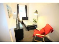 Room-ALL BILLS INCLUDED apart from Electric and Washing Machine-No Agency Fee'sOnly £460 to move in!