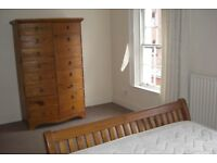 Large Double Room To Rent In Shared City Centre House Next To City Hall & Victoria Square